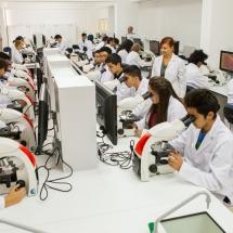 آزمایشگاه داروسازی دانشگاه قبرس