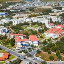 محوطه دانشگاه قبرس