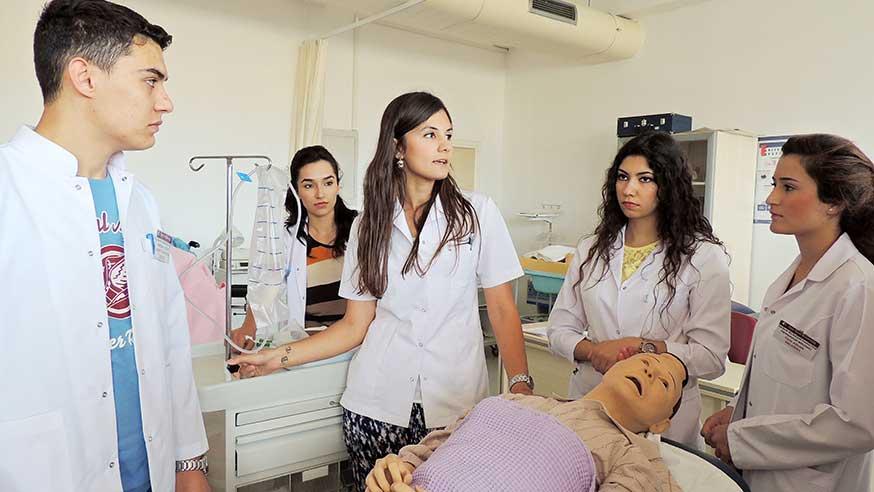 تحصیل پزشکی در دانشگاه خاور نزدیک