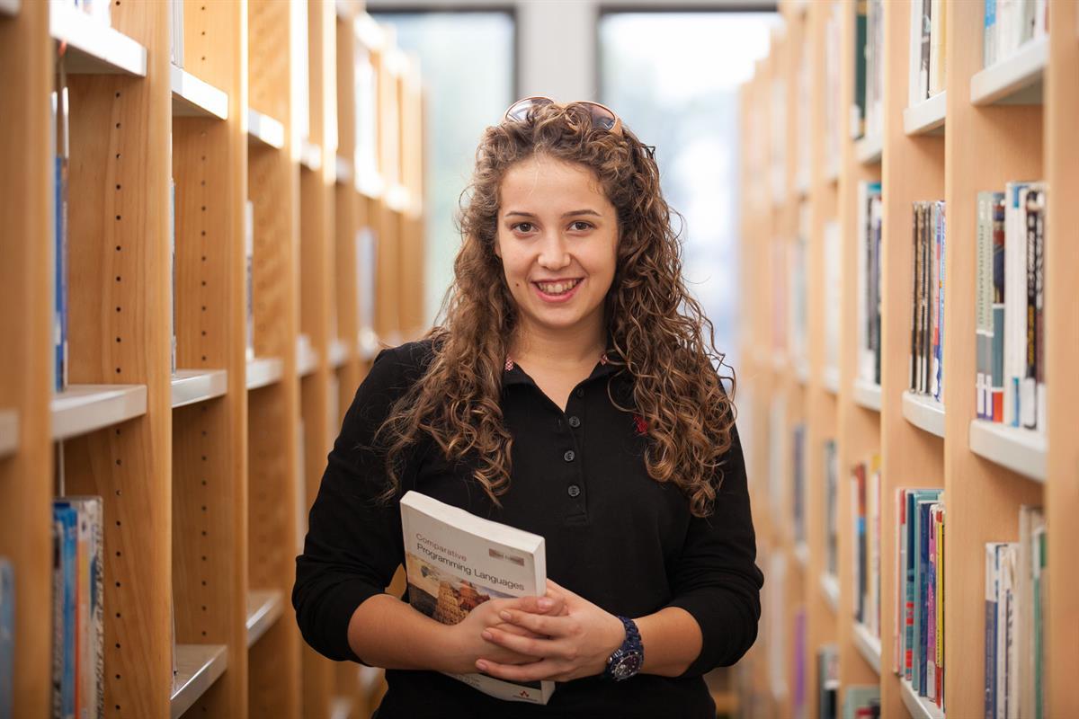 کتابخانه دانشگاه قبرس